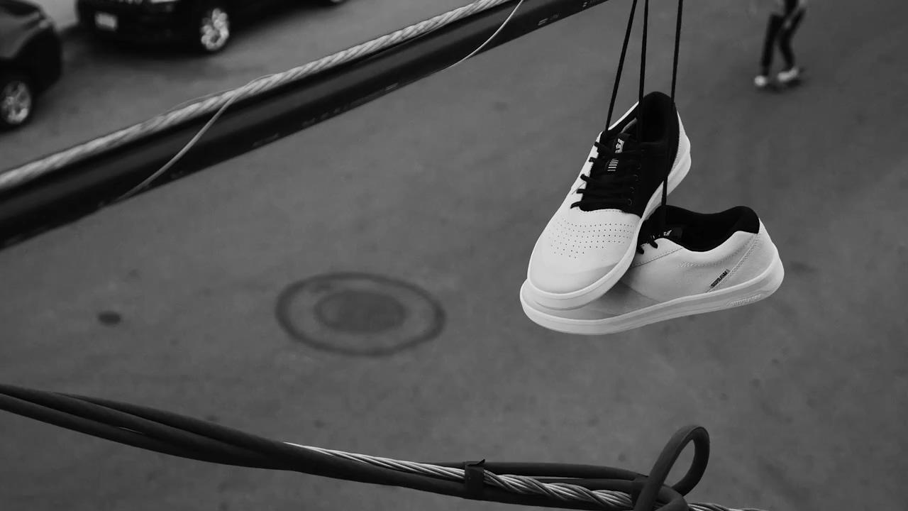 2080aca7f5c #FASHere# Supra推出了The Shifter鞋款的Dane Vaughn签名配色。看完Dane 穿着鞋子的精湛动作片段,签名配色瞬间有了气场!
