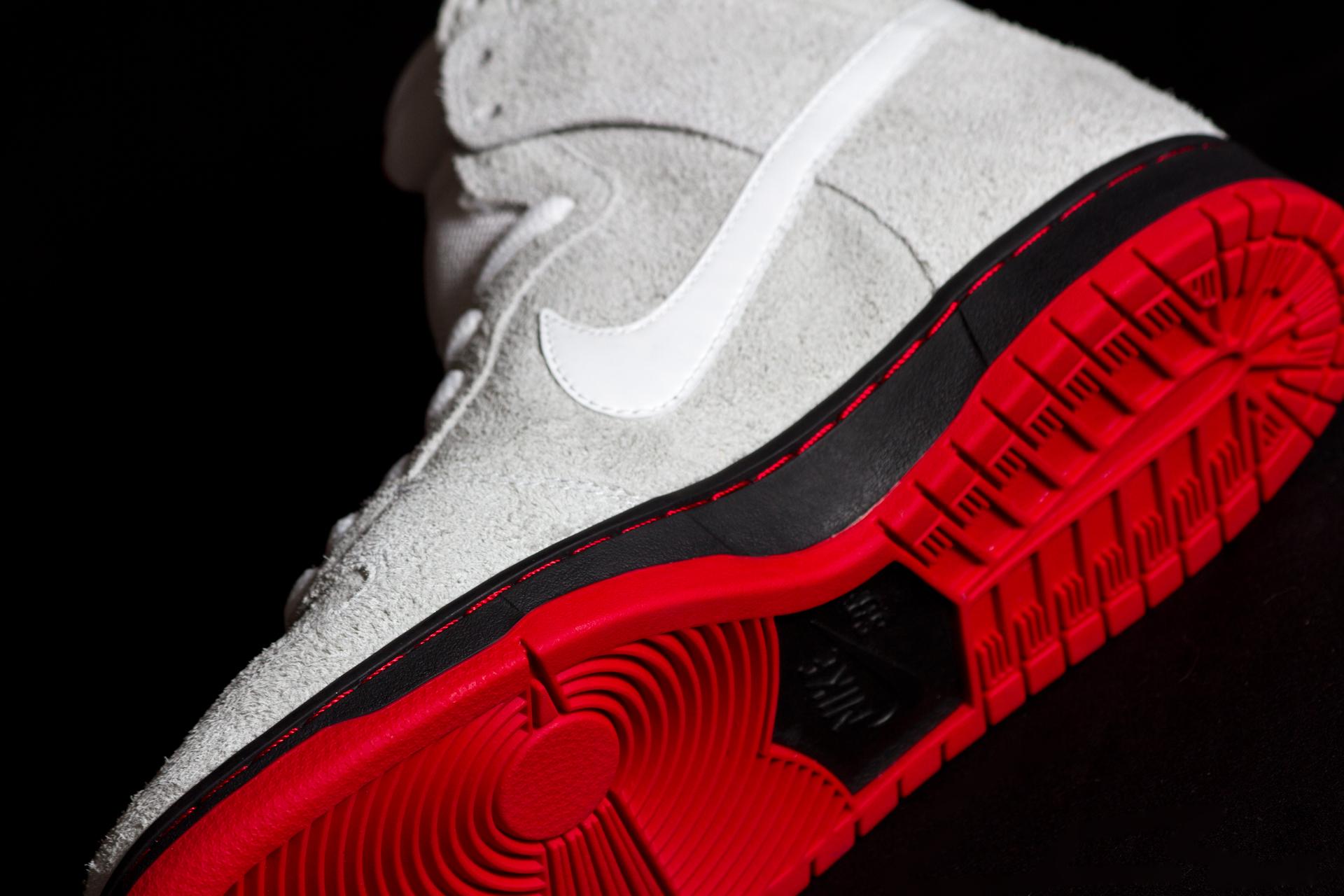 NikeSB_DunkHi_BlackSheep_SoleDetail