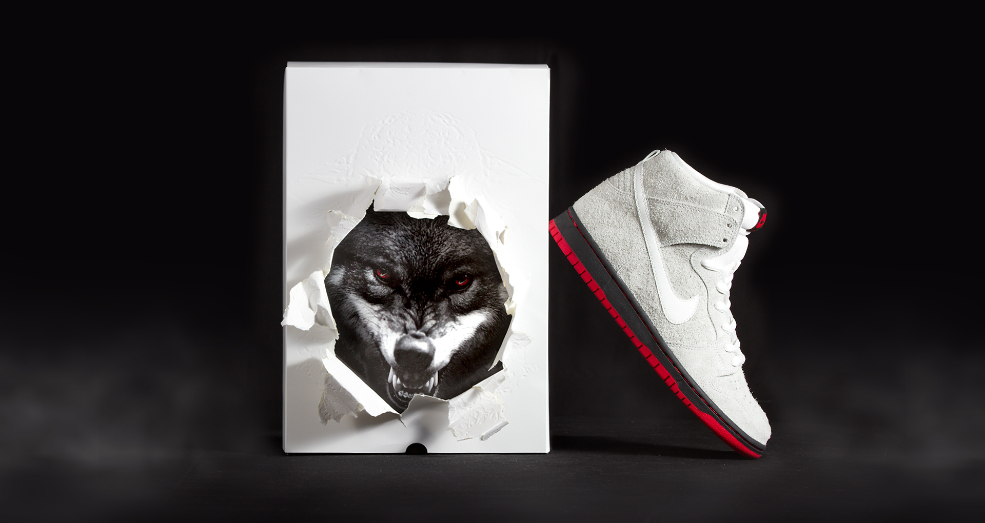 NikeSB_DunkHi_BlackSheep_hero2boxfog