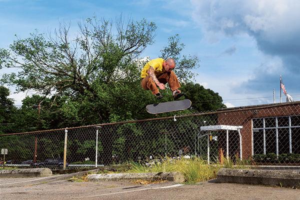 SP17_Skate_CrockettPro2_kickflipfence_FX