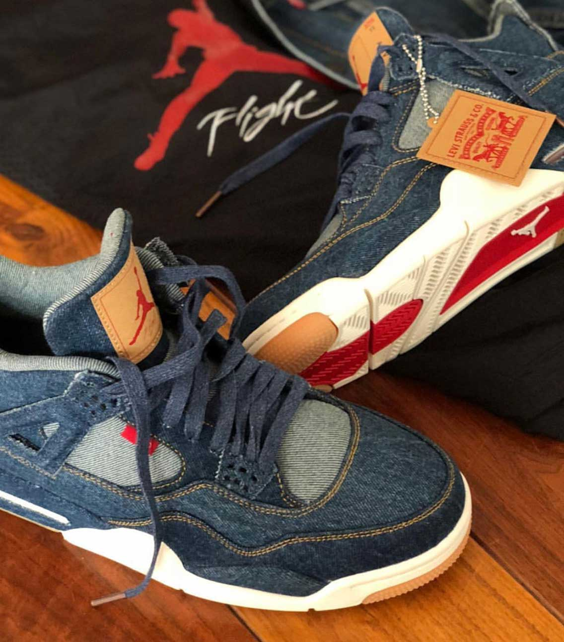 levis-air-jordan-4-reversible-denim-jacket-release-01