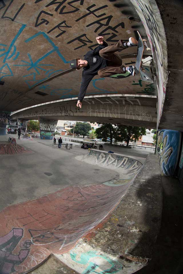 SP19_Skate_UltraRangePro_TomSchaar_KickflipWallride_SauPaulo,Brazil