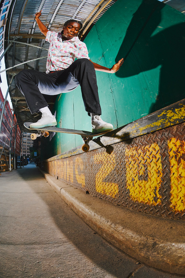 SP21_Skate_AVEPro_BeatriceDomond_CrookedGrind_NYC_Mehring_DSC_9887