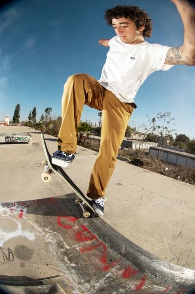 FA21_Skate_AuthenticChinoRelaxed_RowanZorilla_AA96239